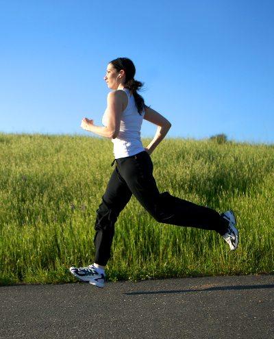 Corrida na rua e corrida na esteira
