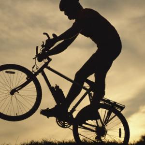 6 dicas para pedalar no campo e na estrada