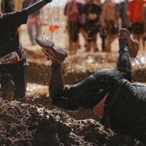 Corrida de obstáculos: desafiando os limites do corpo