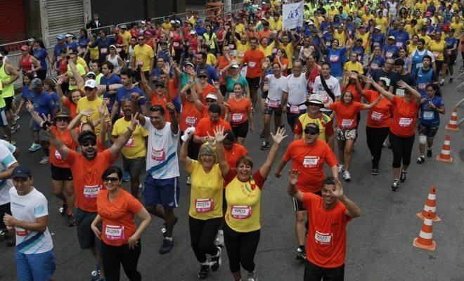 Bata seu recorde pessoal na Tribuna 10km, em Santos