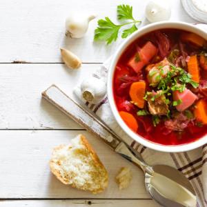 Nutricionista da Bio Ritmo sugere três receitas de sopas detox para se aquecer no inverno