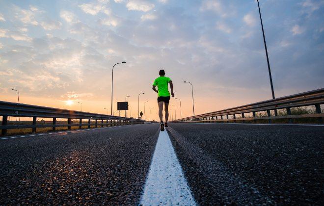 Como deve ser a preparação para participar de uma corrida? Confira dicas