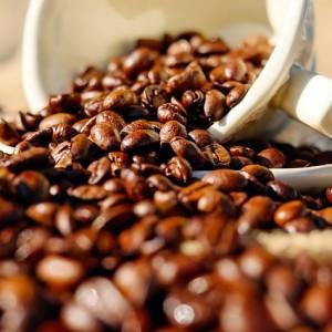 Por que o café melhora a sua performance
