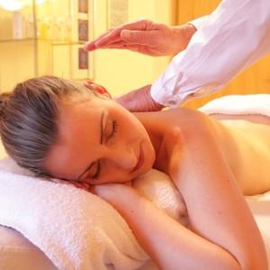 Massagem desportiva ajuda na recuperação muscular