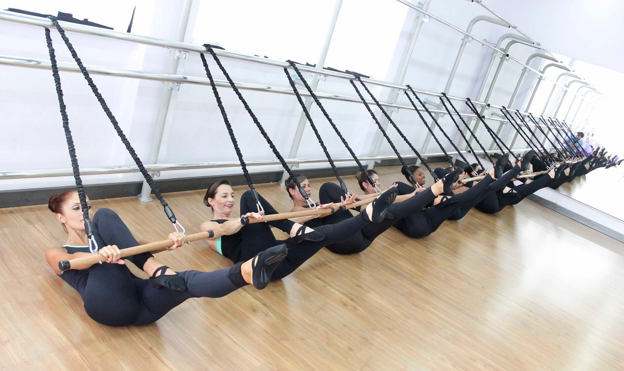 Ballet Pilates com elástico
