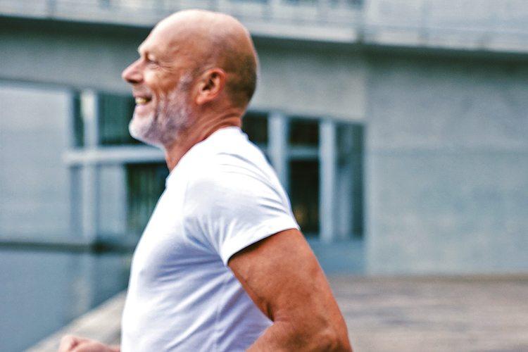 Não tem idade para correr! 8 dicas para praticar corrida sempre