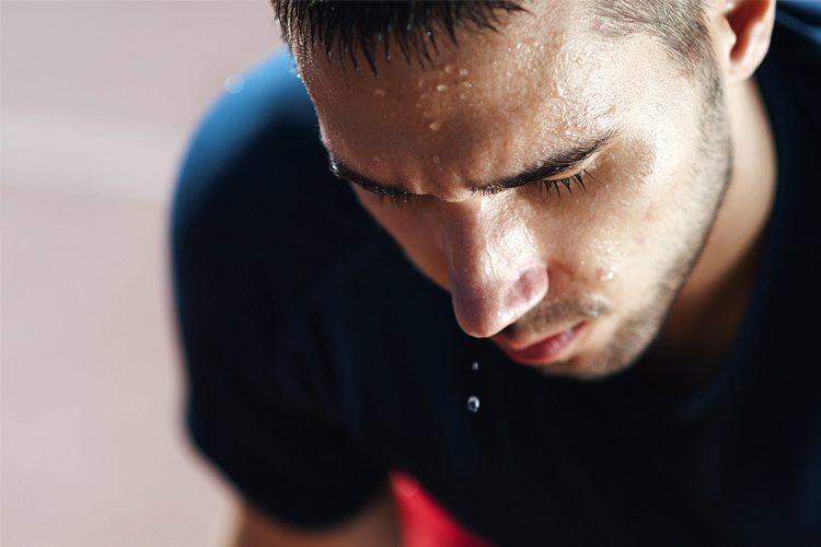 Hiperidrose: como lidar com o suor excessivo