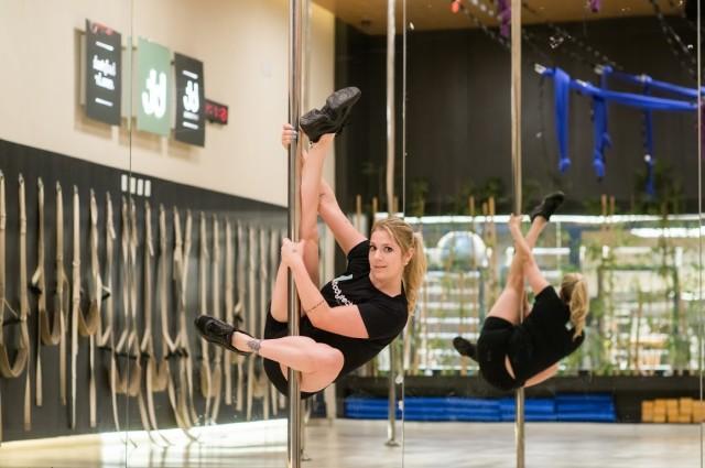 Pole Super Dance, a novidade que transforma o corpo