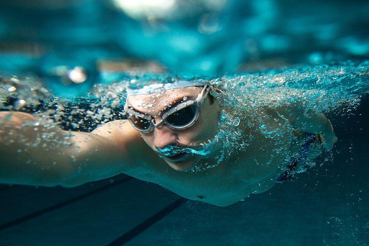 8 exercícios para melhorar seu desempenho na natação