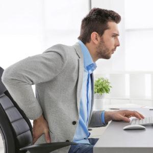 4 hábitos posturais que prejudicam a sua coluna