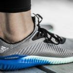 Tênis da Adidas da linha AlphaBOUNCE