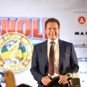 Arnold Schwarzenegger desembarca em São Paulo