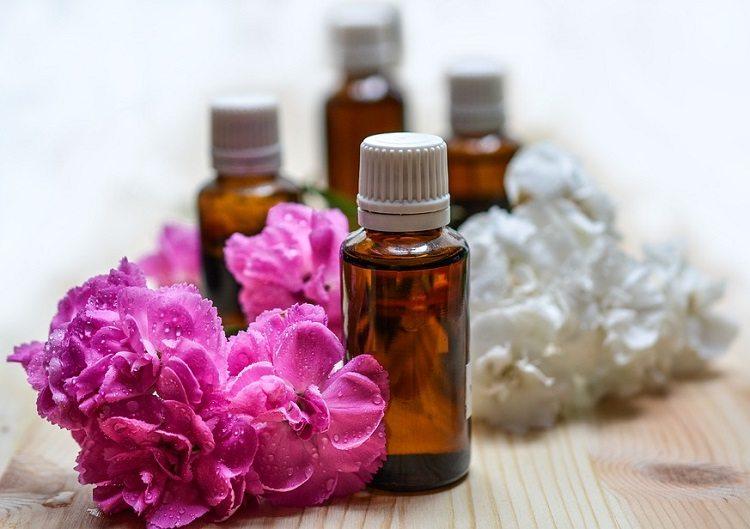 Aromaterapia: como funciona, os benefícios para a saúde e os óleos essenciais