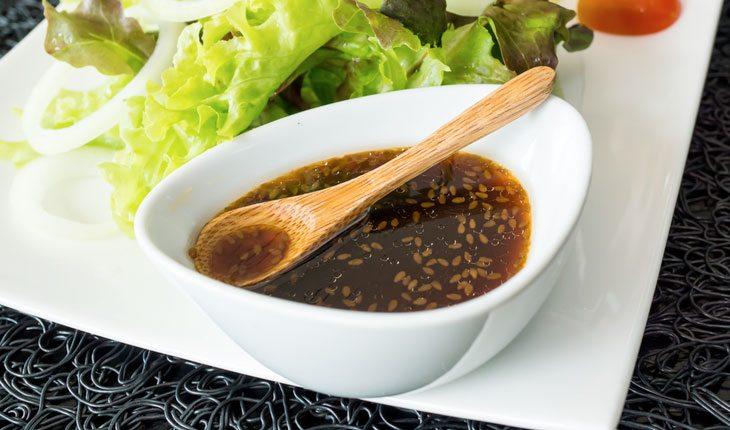 5 molhos fitness para temperar a sua salada
